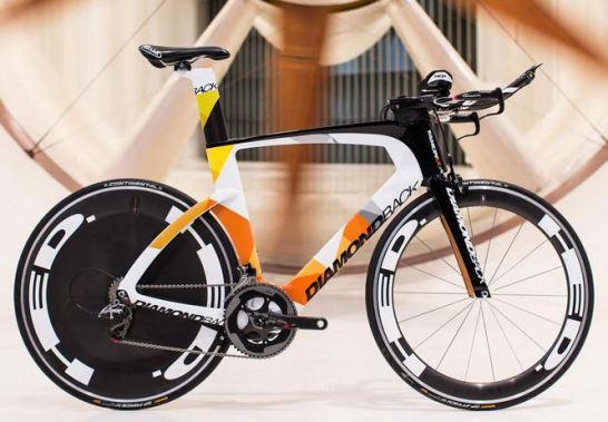 空力学的凸凹の付いた革新的エアロロードバイク『Diamondback IO』 serios