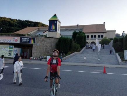 """神宿る淡路島は、楽しさも""""神""""。ロードバイクでアワイチを200%楽しむ方法【二日目】 のじまスコーラ 小学校 神宿る淡路島は、楽しさも""""神""""。ロードバイクでアワイチを200%楽しむ方法【二日目】 ハイウェイオアシス"""