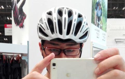 OGK Kabuto史上、最軽量ヘルメット『FLAIR』実物インプレッション! 被り心地