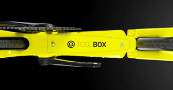 2019 CEEPO『SHADOW-R』フォークを排した近未来型TTバイク ツールボックス