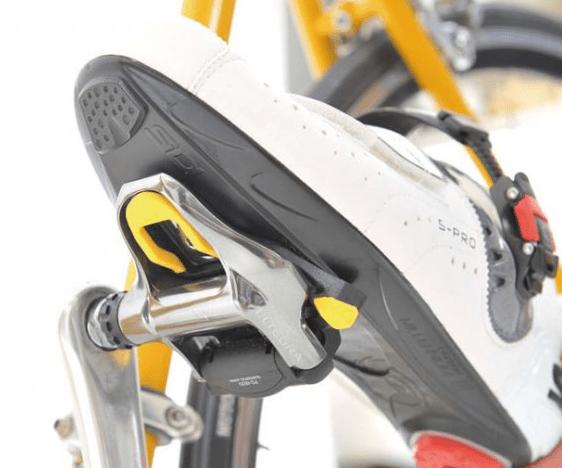 辻善光『逆説ロードバイク理論 40~50代でも伸びる!技術 トレーニング 機材』の感想。 小指で回すペダリング