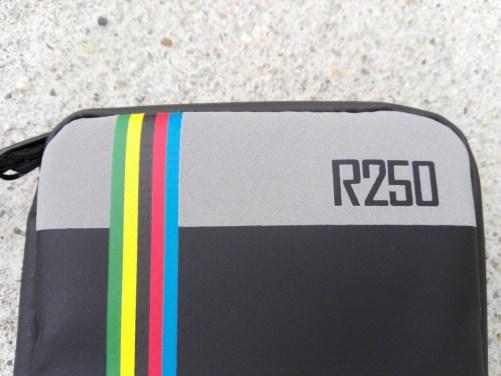 R250 VS GORIX。どちらのライドポーチが優れているのかを検証。 再帰反射プリント