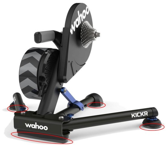 Wahoo Kickr V5爆誕でいよいよ立つ瀬がないTacx NEO AXIS FEET搭載で2.5~5°で左右に揺れる