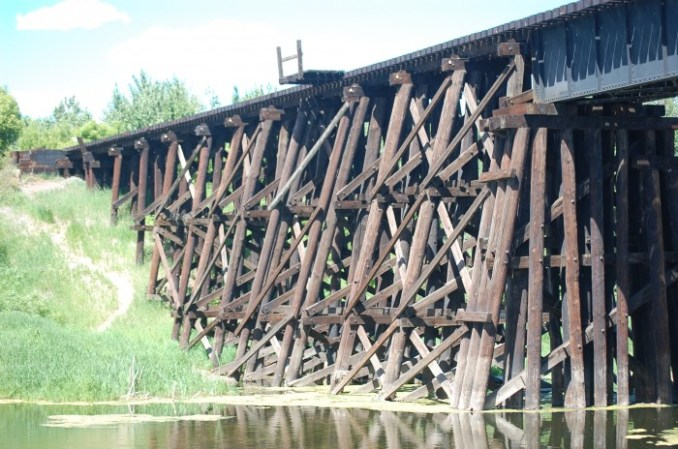 parade, aborginal, wooden railway bridge 035