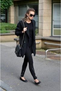 sandro-leggings-chanel-bag-chanel-flats-linda-farrow-glasses_400
