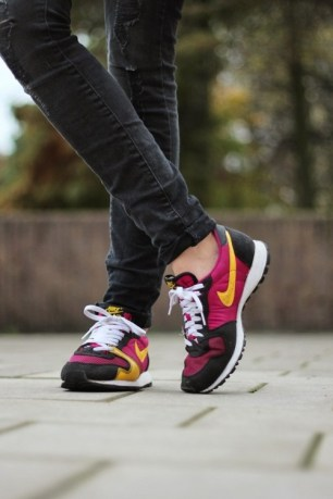 Eight-Days-a-Weel-Running-Shos-Skinny