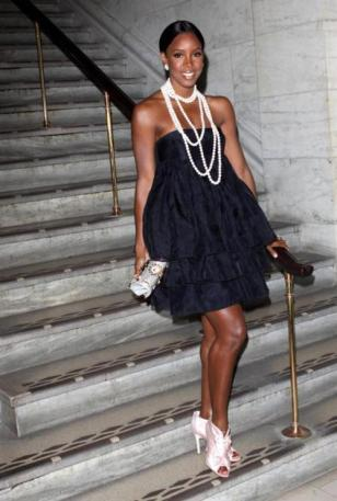 Kelly-Rowland-in-Pearls