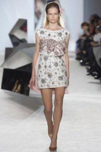 giambattista-valli-spring-2014-couture-runway-20_164836506360