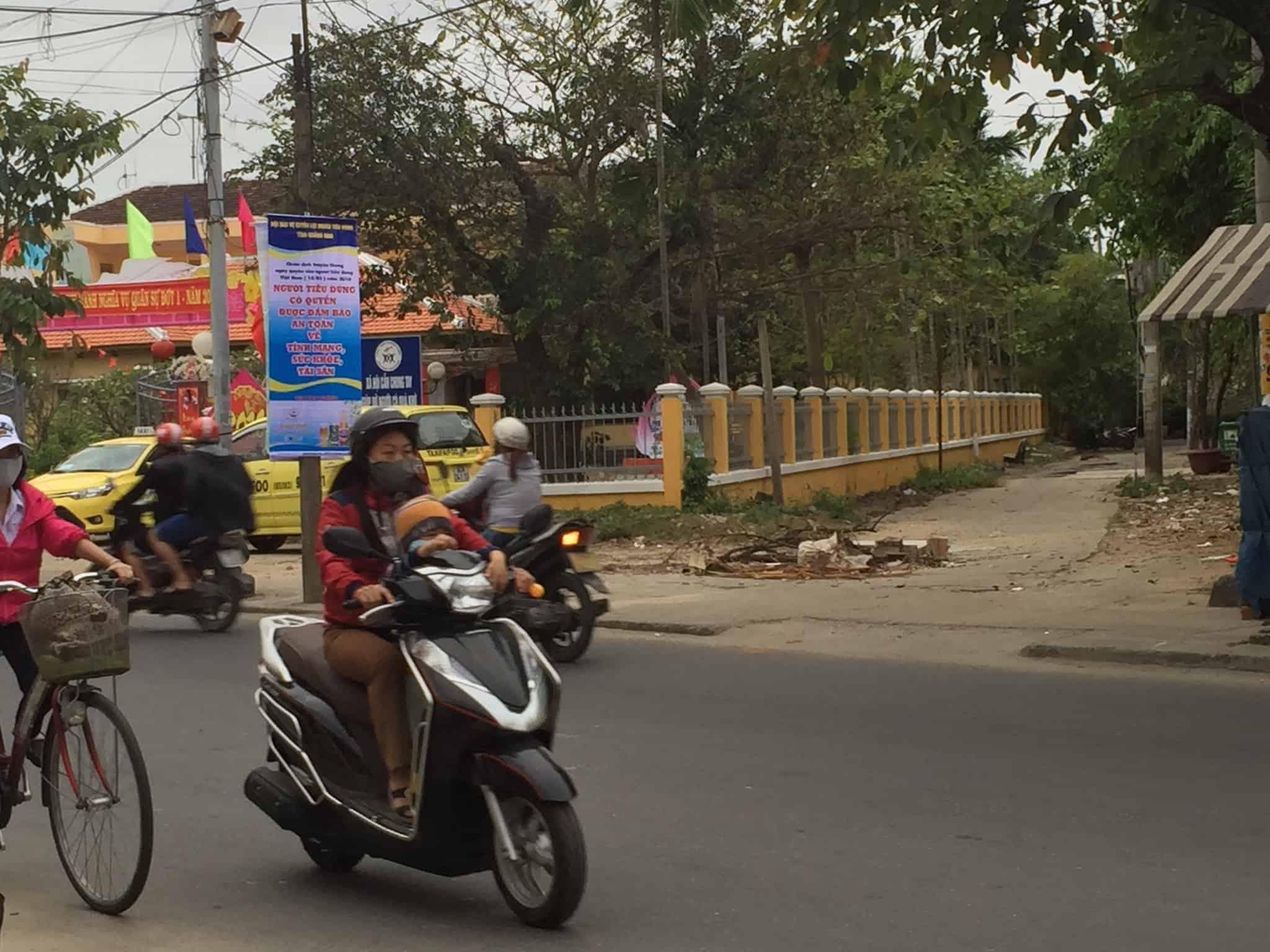 Skrædderbyen Hoi An og noget om børn og scootere