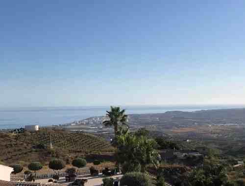 endelig tilbage | middelhavet for foden af bjerget