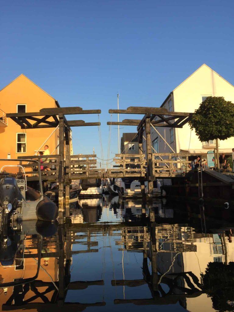 JUBIIII!! Nu ejer vi et stykke vand i Marslisborg Havn!