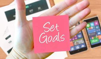 The Smart Way To Set and Smash Your Business Goals