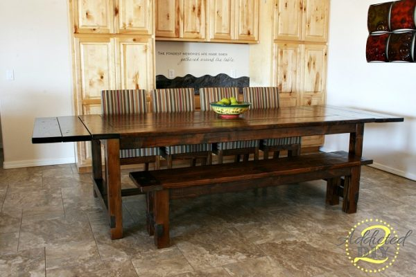 Farmhouse Tables Are Supposed To Be Big. But This One Absolutely Takes The  Cake. From What I See, You Could Easily Fit 10 People Around This One Table.