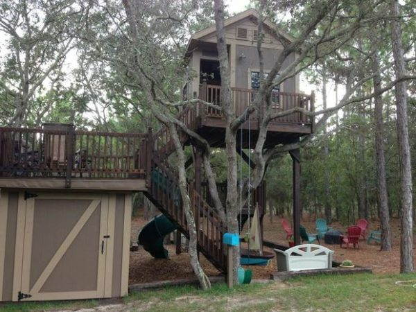 Tree house plans treehouses book you can actually build for Free treehouse plans
