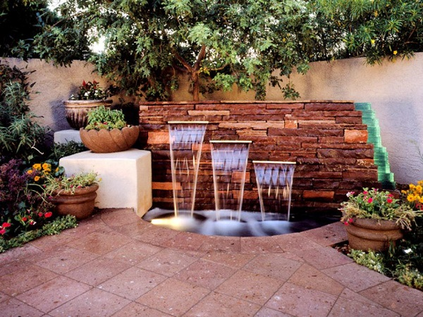 23-a-yard-of-fountain
