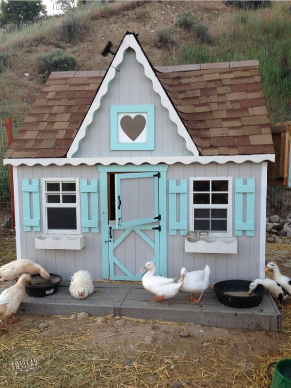 37 free diy duck house coop plans ideas that you can for Cute chicken coop ideas