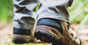 6 Best Hiking Shoes for Men and Women: Reviews & Comparisons