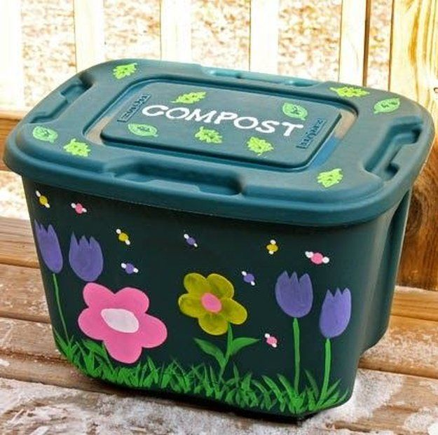 How to Build a Budget-Friendly DIY Compost Bin in 3 ...