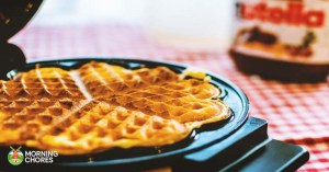 7 Best Waffle Maker Reviews: To Make Delicious Golden-Brown Waffles