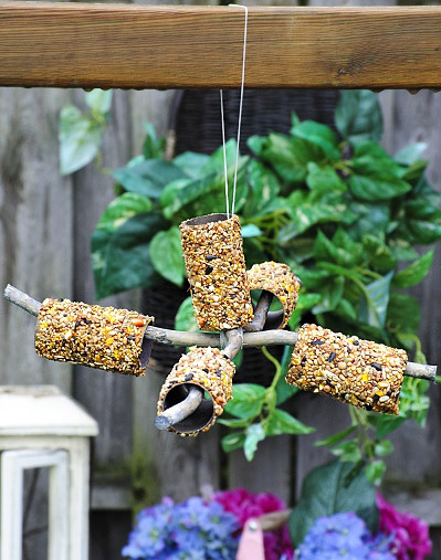 toilet-roll-bird-feeder