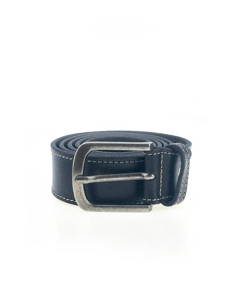 Cintura in cuoio e lavorata a mano. nero
