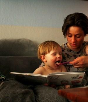 morogmor - En mamma til børn, der har to mødre. Læser VEGA