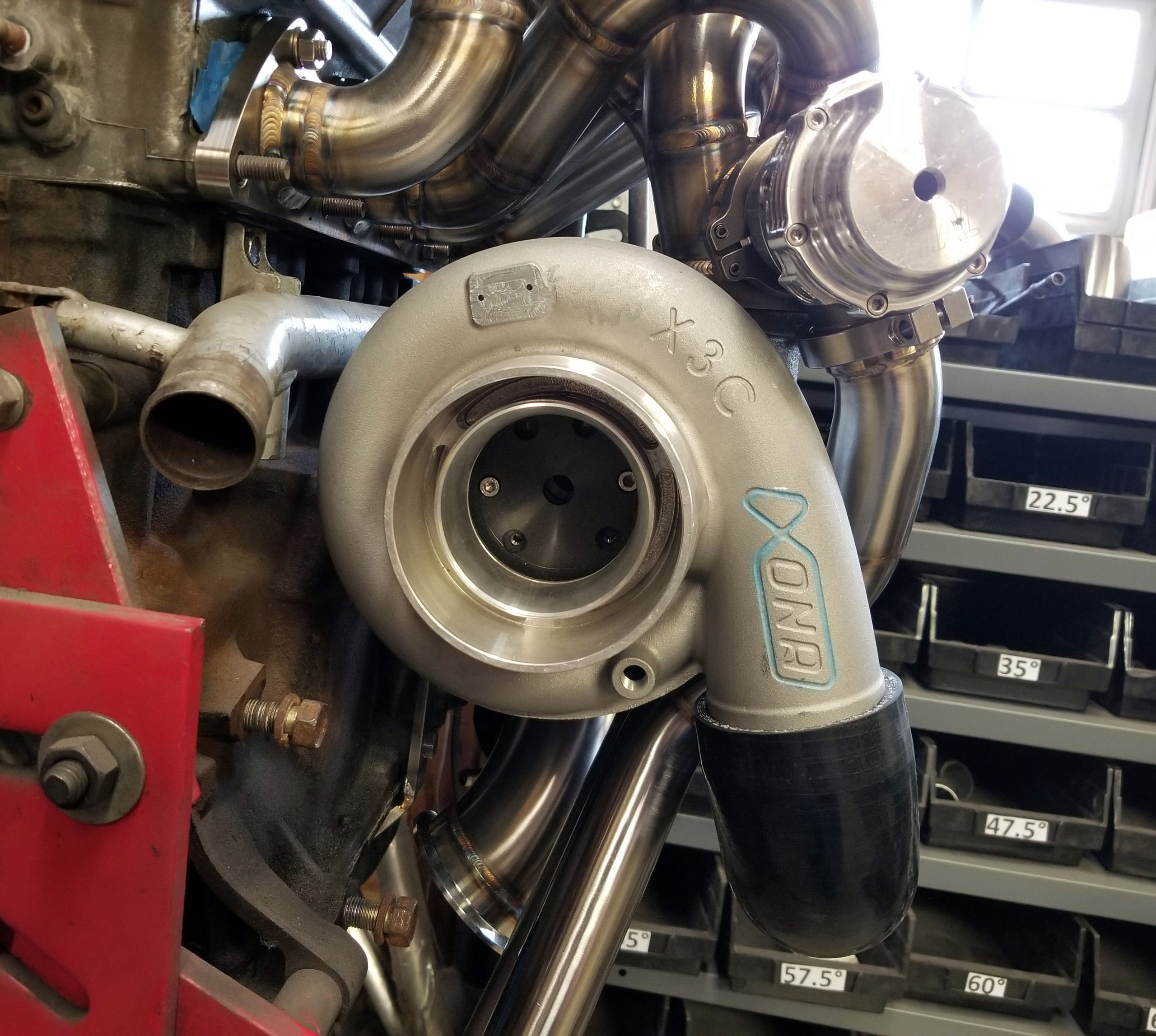 Dsm Small Runner Divided T4 Manifold And Hot Parts