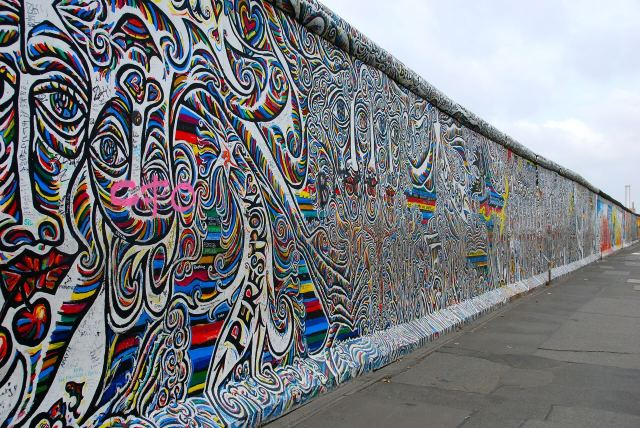 Worlds-10-Most-Instagrammed-Travel-Destinations-Berlin-Wall