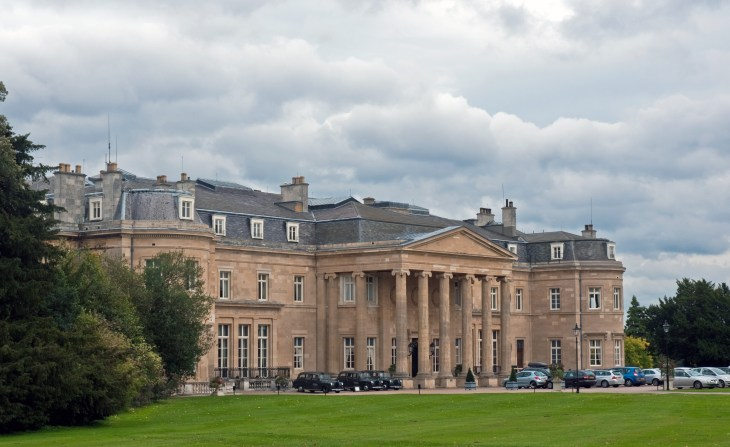 Luton_Hoo_Bedfordshire_England_19_Sept._2010_-_Flickr_-_PhillipC_2