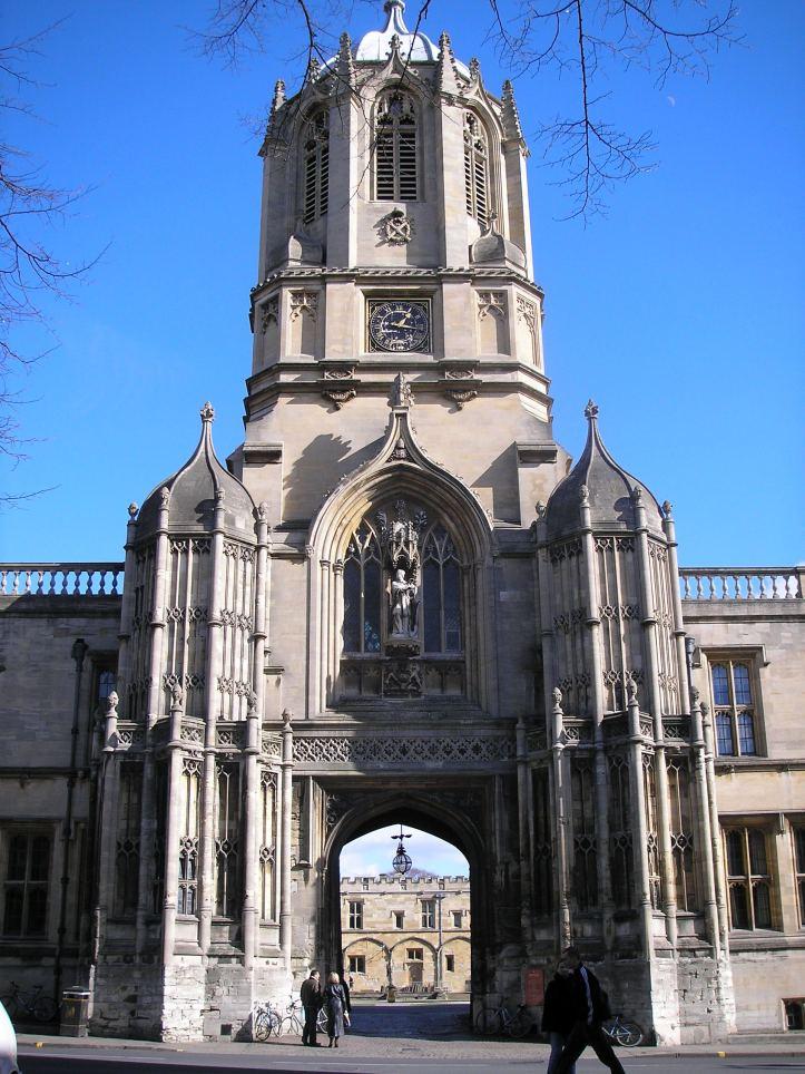 Tom_Tower_(Oxford,_England)