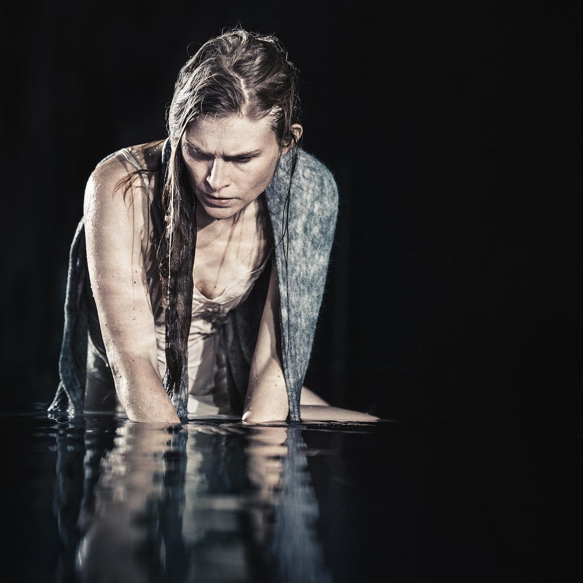 ANMELDELSE: Medea, Aarhus Teater