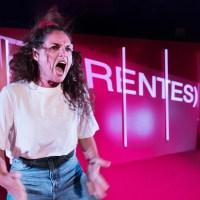 ANMELDELSE: Manifest for skrøbelige autoriteter, Aarhus Teater