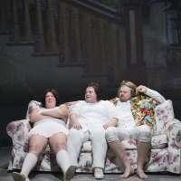 ANMELDELSE: Det gode vs det onde, Aalborg Teater