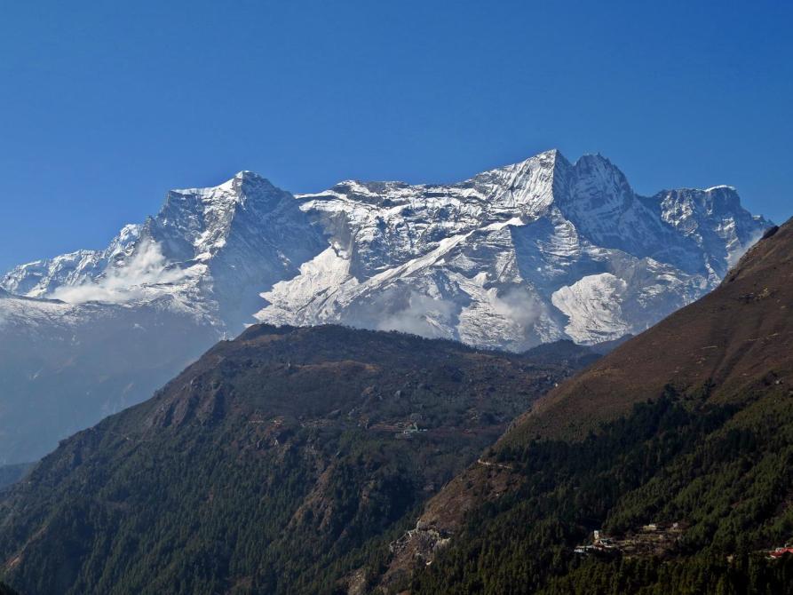 Kongde Ri, Everest Base Camp Trek
