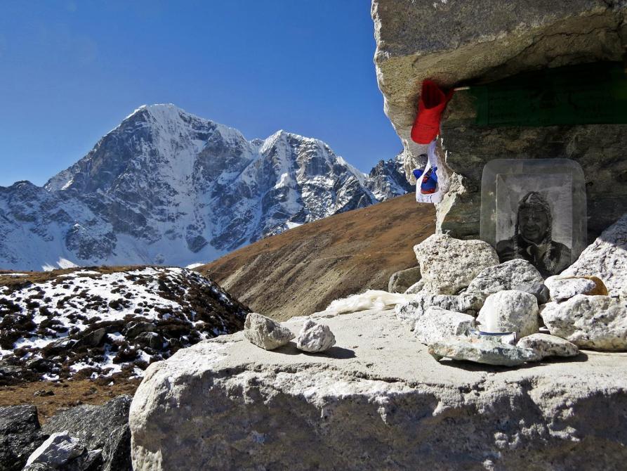 Monument, Cholatse, Himalaja
