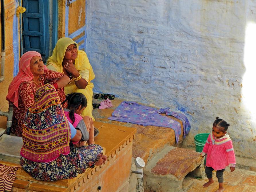 Frauen und Kinder in Rajasthan