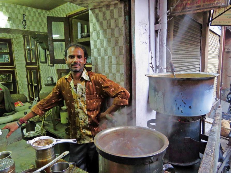 Teeverkäufer in Indien