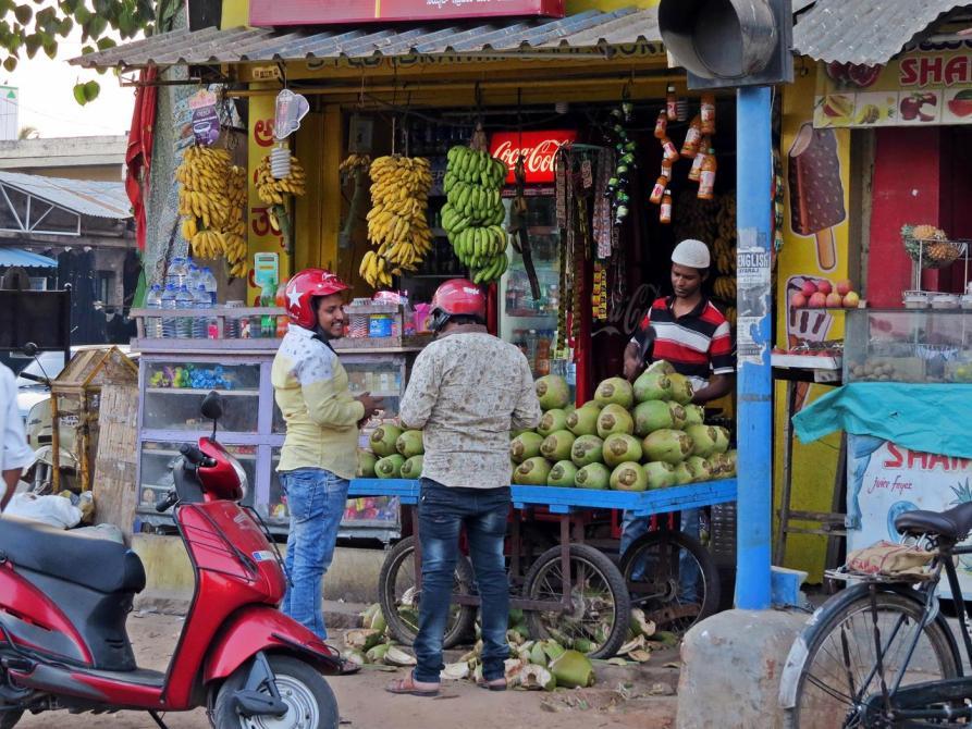 Kokosnussverkäufer in Indien