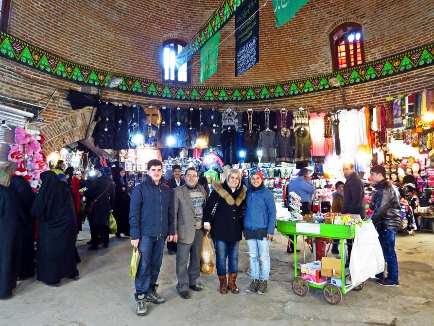 Im Zentrum des Marktes in Ardabil