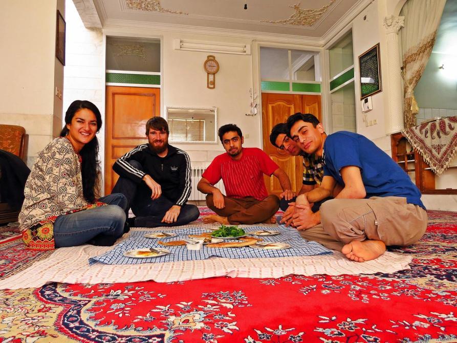 Couchsurfing in Mehriz