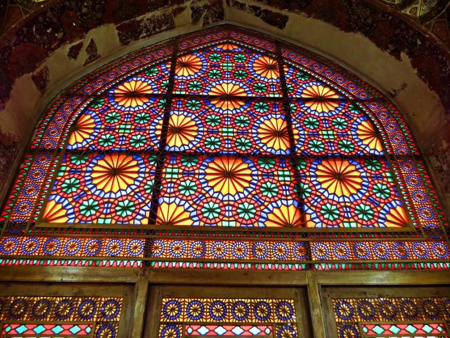 Fenstermosaik im Arg-e Karim Khan