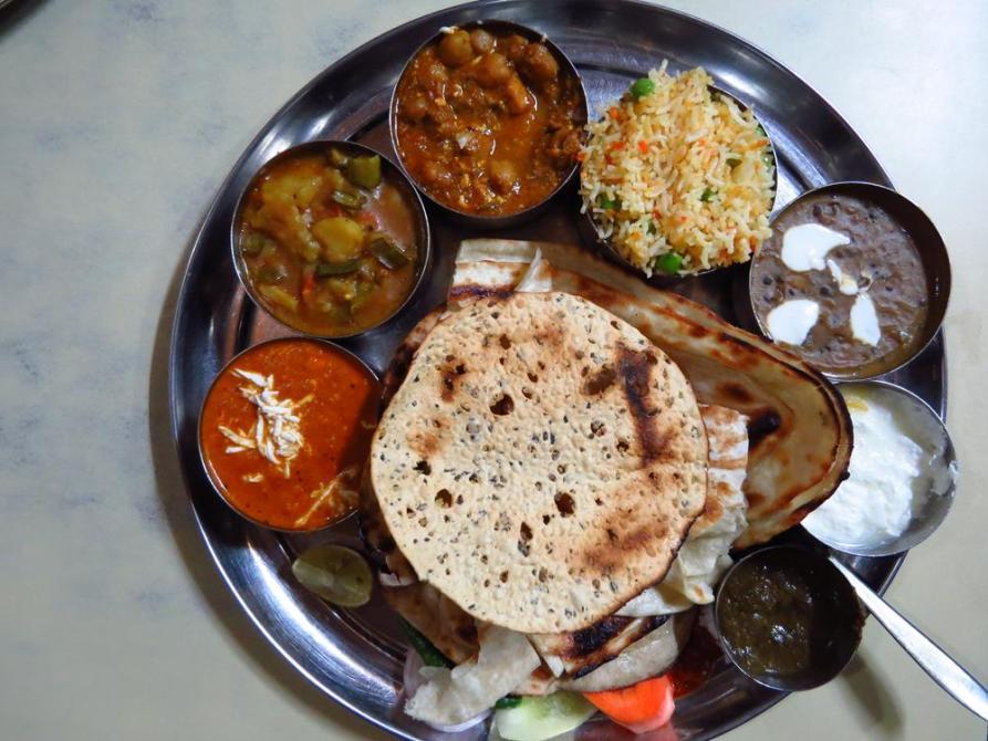 Thali, Inside Indien
