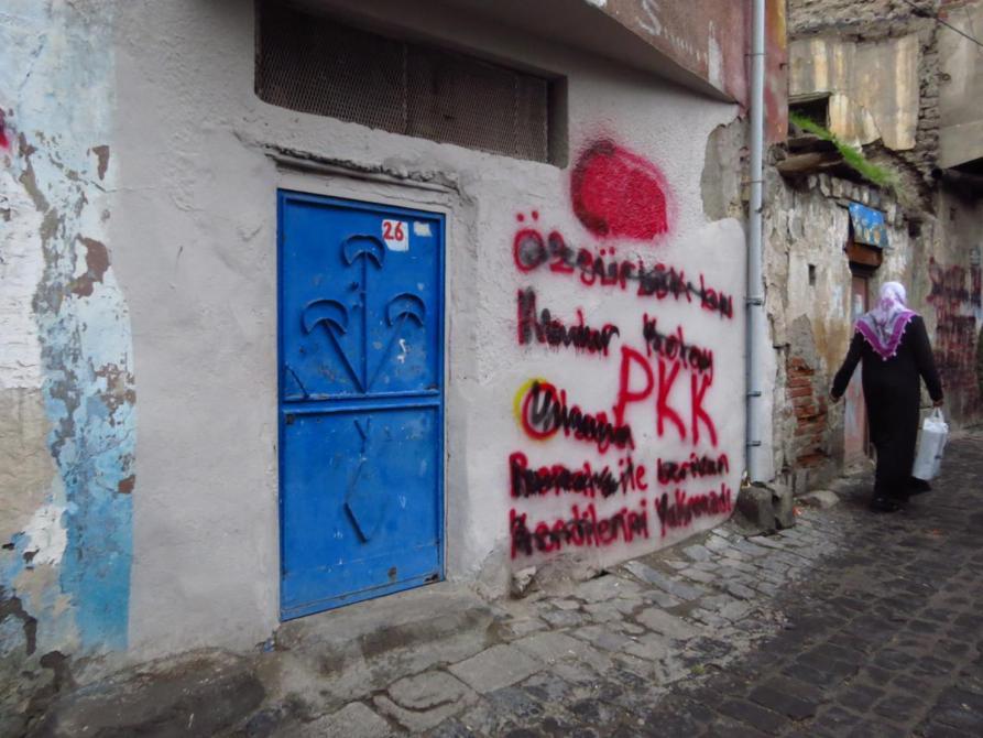 Graffiti an einer Hauswand in Diyarbakır