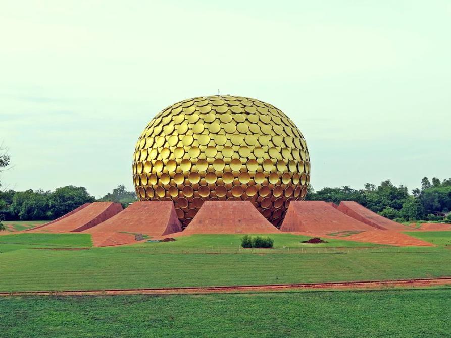 der Matrimandir, die Seele Aurovilles