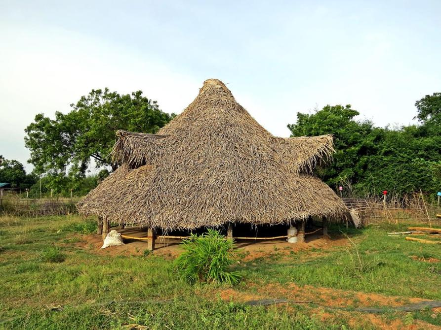 Bambus-Pavillon in der Siedlung Bamboo Land, Auroville