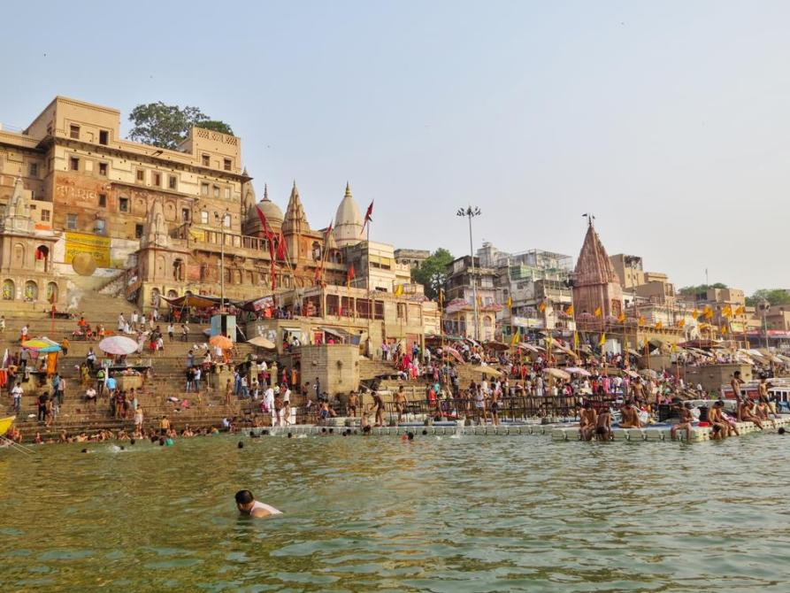 Badestellen am Munshi Ghat und Dashashwamedh Ghat in Varanasi