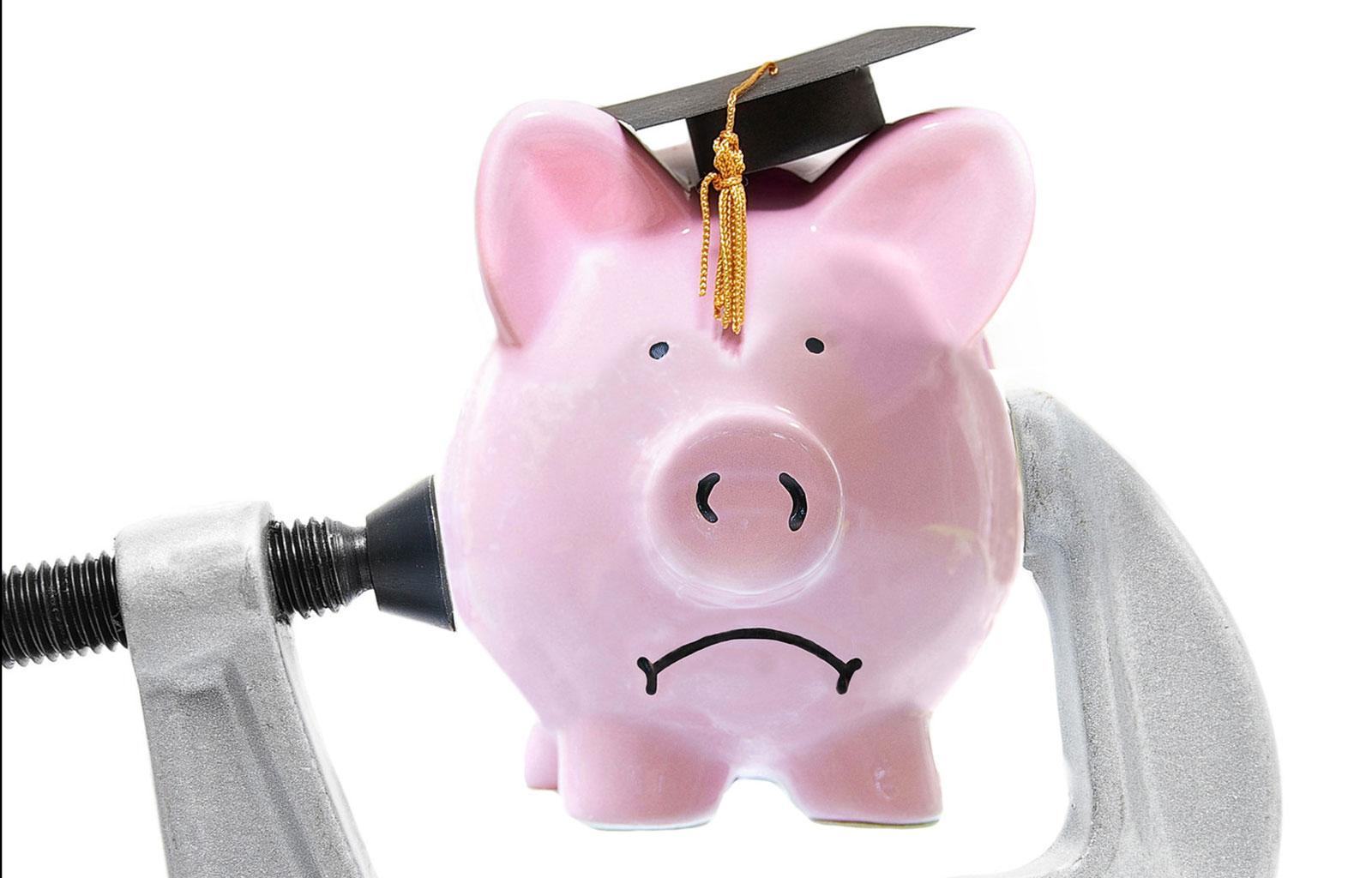 Ways to avoid student loan debt.