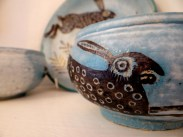 Michelle Comeadow: slipware hare bowl