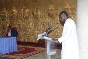 Le ministre de la Jeunesse et de l Emploi des Jeunes  devant le chef de l'Etat