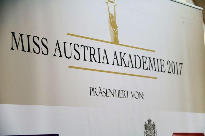 D'Mosauerin und die Missen in Geinberg